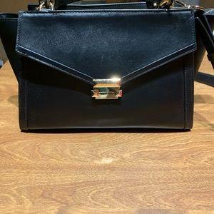 Women's handbag Michael Kors black .